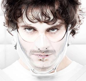 Hugh Dancy masked for Hannibal Season 2