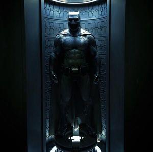 Full Batman Suit From 'Batman v Superman' Revealed