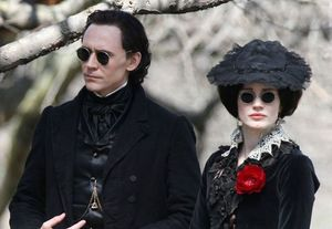 Tom Hiddleston, Jessica Chastain and some fancy glasses in C