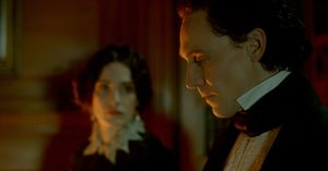 Tom Hiddleston is Sir Thomas Sharpe in Del Toro's Crimson Pe
