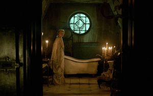 Mia Wasikowska and old bathtub in Crimson Peak
