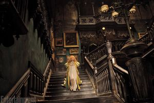 New Crimson Peak still shows amazing set design