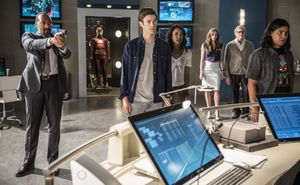 Official First Look at The Flash Season 2