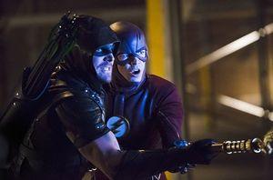 Green Arrow & The Flash vs Vandal Savage