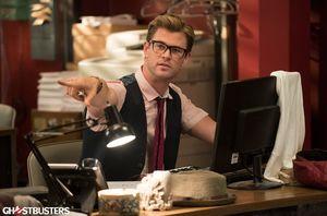 Chris Hemsworth in Ghostbusters (2016)