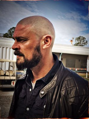 Karl Urban reveals his Skurge look for Thor: Ragnarok