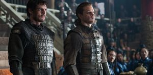 """Pedro Pascal (""""Tovar"""") and Matt Damon (""""William"""") in """"The Great Wall"""""""