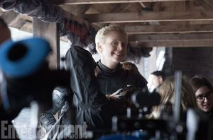 We are smiling right back at you Gwendoline Christie (Brienn