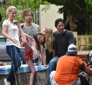 On the set of Replicas - Keanu Reeves, Thomas Middleditch, Alice Eve