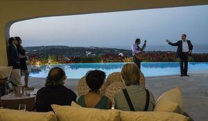 Silvio Berlusconi sings, 'Loro'