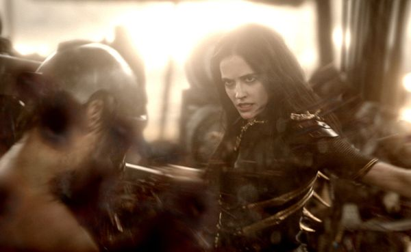 Eva Green delivers fatal blow, 300: Rise of an Empire ... Eva Green Review