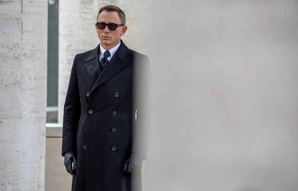 'Spectre' Lives Up to Spectacular Billing, Doesn't Surpass Expectations