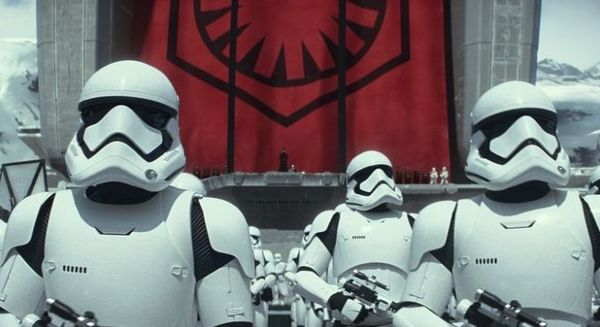 Move over Avengers, move over Jurassic World The Force Awakens is the movie of the year MAJOR SPOILERS AHEAD!!
