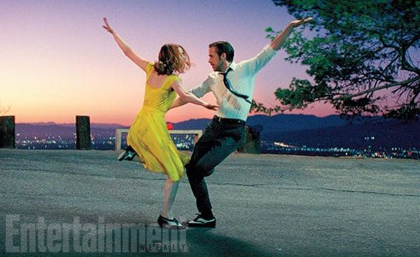 Ryan Gosling and Emma Stone Musical 'La La Land' Pushed to December Release, to Open Against Rogue One
