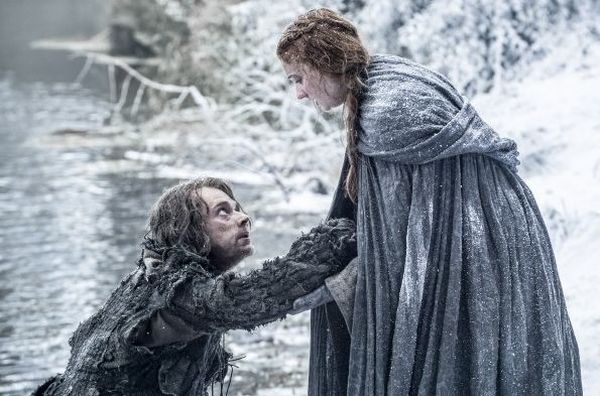 Sophie Turner Accidentally Drops Game of Thrones Spoiler