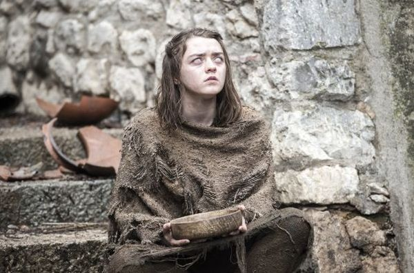 Maisie Williams on Playing Arya blind for Game of Thrones Season 6