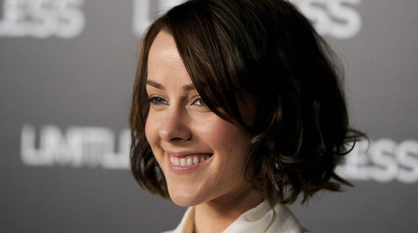 Jena Malone Won't Appear in Theatrical Cut of Batman v Superman; Snyder Confirms Who She Isn't Playing