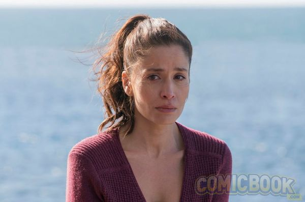 Mercedes Mason Teases Ofelia's Transformation, More Flashbacks to Come to 'Fear the Walking Dead'