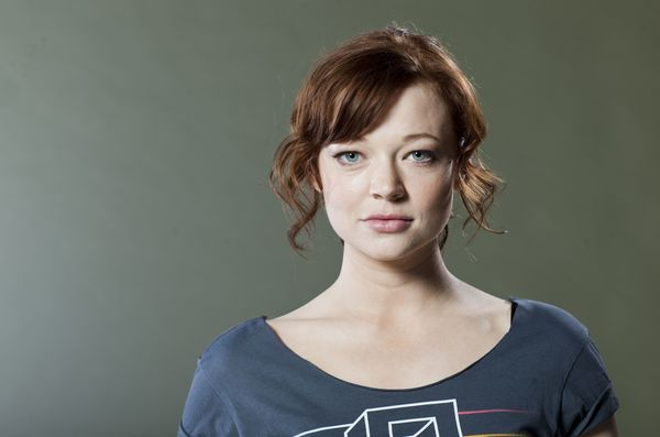 Sarah Snook eyed to star opposite Brie Larson for Lionsgate's 'The Glass Castle'