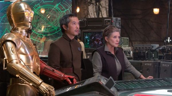 Mark Hamill Confirms How the Opening Shot might have Looked in Star Wars: The Force Awakens