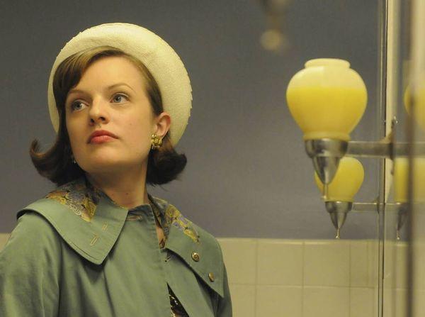 Hulu orders 'The Handmaid's Tale,' starring 'Mad Men''s ELisabeth Moss