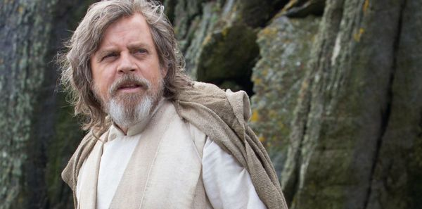 Mark Hamill Hints at an Elaborate Special Effects Sequence for Luke Skywalker
