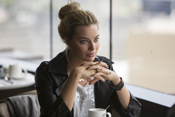 Margot Robbie Signs Exclusive First-Look Deal with Warner Bros.
