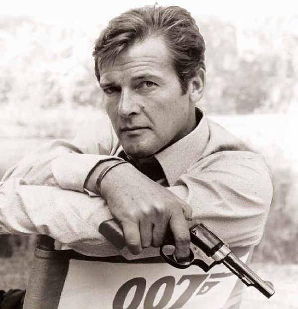 Roger Moore, Iconic 007 Actor, Dead at 89