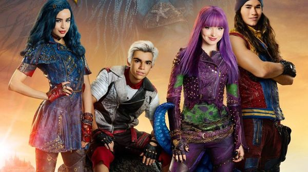 Descendants 2 (2017) Review