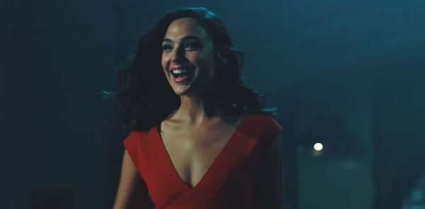 Gal Gadot's 'Saturday Night Live' entrance is spectacular