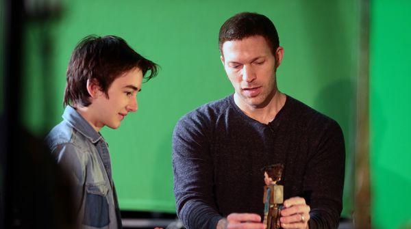 Travis Knight will direct Warner Bros.' film adaptation 'Six Billion Dollar Man'