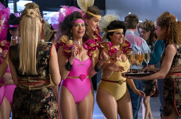 Gorgeous Ladies of Wrestling take Vegas by storm in the first trailer for GLOW season 3