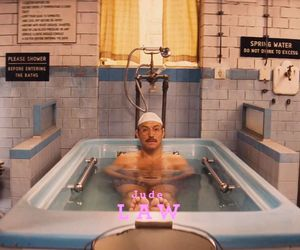 Jude Law in the tub