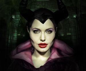 Angelina's weird cheeks in Maleficent poster