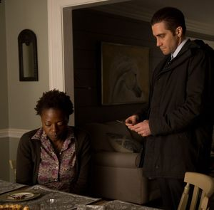 Viola Davis questioned by Jake Gyllenhaal