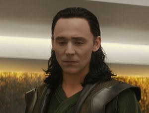 Tom Hiddleston (Loki) imprisoned
