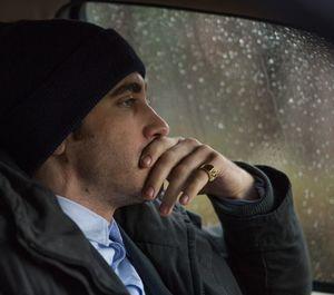 Jake Gyllenhaal's fancy golden ring in Prisoners