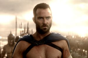 Sullivan Stapleton is Themistokles in 300: Rise of an Empire