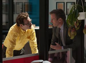 Spike Jonze directs Joaquin Phoenix' yellow shirt in Her