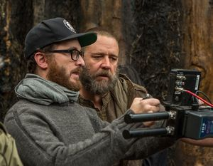 Darren Aronofsky and Russell Crowe on the set of Noah