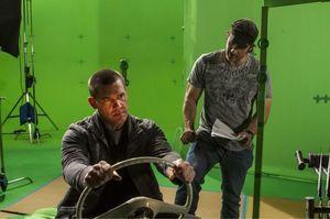 Josh Brolin & Robert Rodriguez on the set of Sin City: A Dam