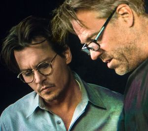 Johnny Depp and Wally Pfister working on Transcendence