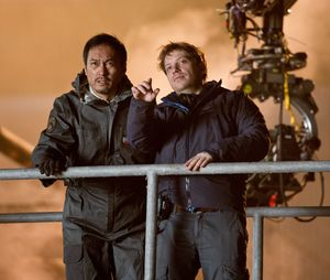 Director Gareth Edwards and Ken Watanabe in the set of Godzi