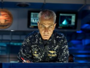 David Strathairn is US Navy Admiral William Stenz in Godzill