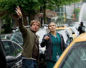 Gareth Edwards directs Elizabeth Olsen in Godzilla
