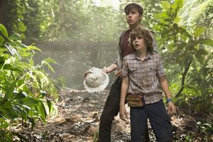 Youngsters Nick Robinson and Ty Simpkins in Jurassic World