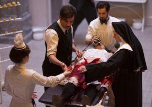 Clive Owen, Michael Angarano, a nurse and a nun operate on a