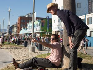 Jake Gyllenhaal and director Dan Gilroy at Venice Beach - Ni