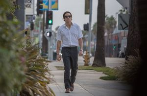 Jake Gyllenhaal with glasses walking around LA - Nightcrawle