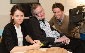 Eddie Redmayne and Felicity Jones meet Stephen Hawking